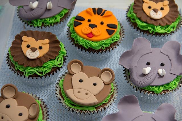 cupcakes-587139_640